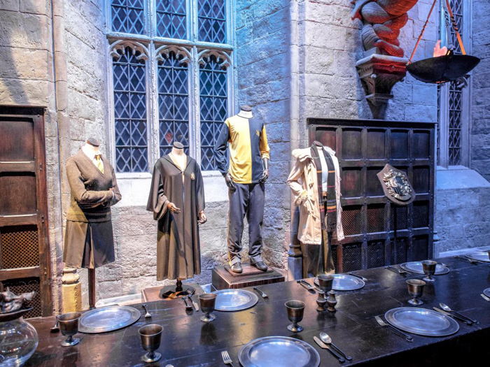 Do This, Not That // Harry Potter Studio Tour | Leavesden, London, UK | Harry Potter film studio and set | Things to do in London | What to do in London | What to see in London | House Hufflepuff