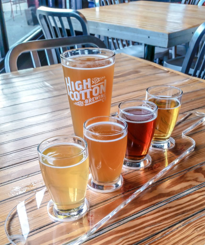 Memphis craft breweries | High Cotton Brewing Co. | Craft beer in Downtown / Midtown Memphis, Tennessee | High Cotton taproom | craft beer flight