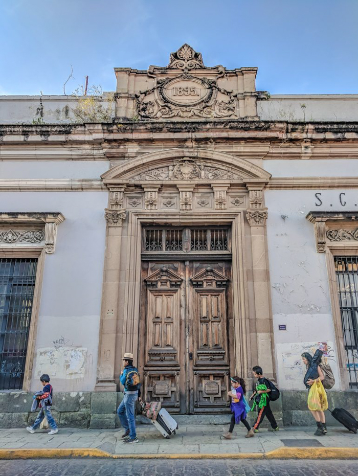 Making sense of Mexico's ADO bus system | Platino vs GL vs OCC, etc. | Where are the bus stations? Mexico DF TAPO | CDMX | bus travel in Mexico | everything in Mexico should be so simple
