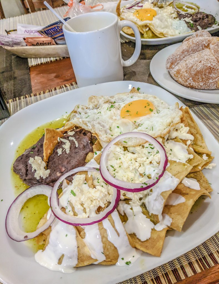 Mexico culture shock: 17 Things That Shocked Me in Mexico | Mexico Coaxaca de Juarez | Chilaquiles verdes | Malande