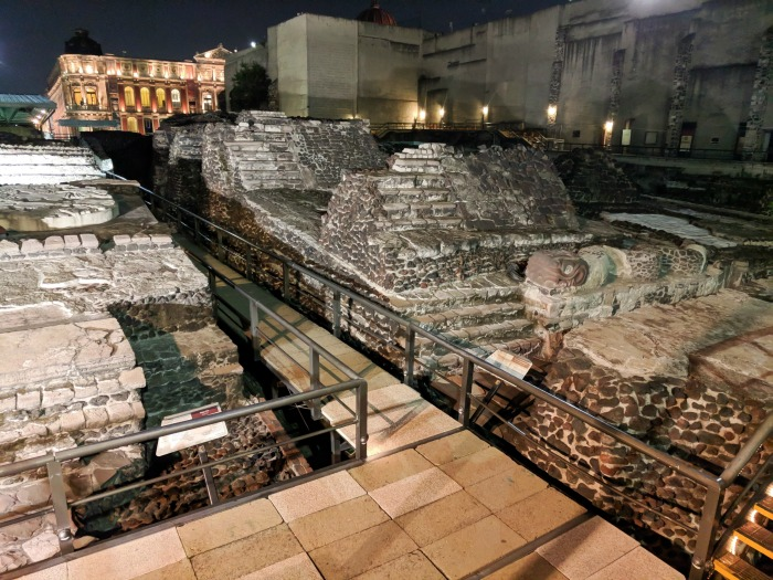 Do This, Not That // 3 Days in Mexico City | Dos and don'ts | Mexico Travel tips | CDMX | Templo Mayor ruins, aztec temple