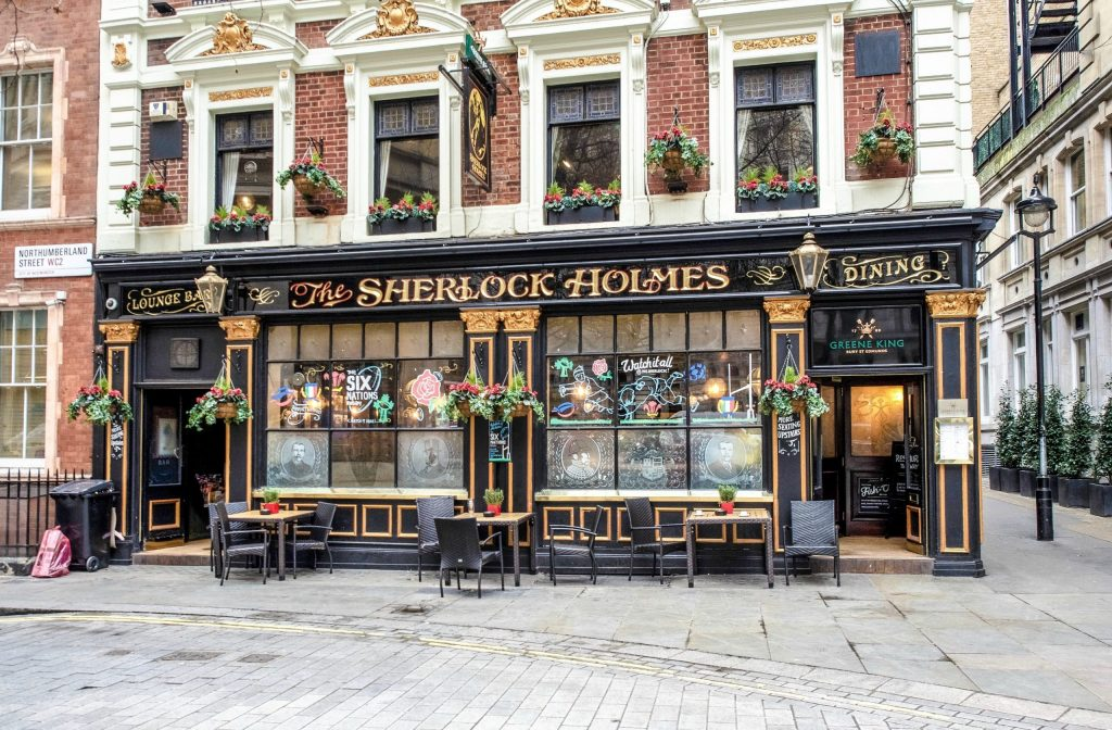The Best 5-day London Itinerary for First-Time Visitors | London, England, United Kingdom | Sherlock Holmes pub