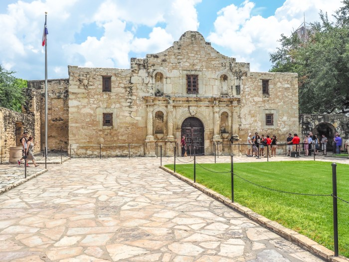 Time-Budget Texas Travel // 3 Cities in 3 Days - Dallas, San Antonio, Austin