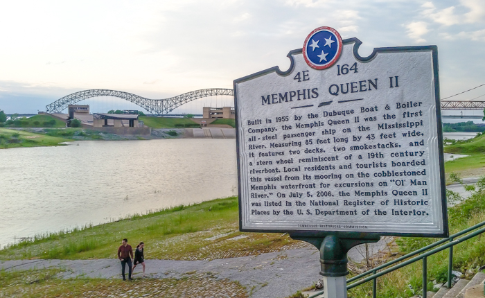 200 things to do in Memphis, Tennessee for first-time visitors - a local's guide | Memphis Queen Riverboat #memphis #riverboat #traveltips