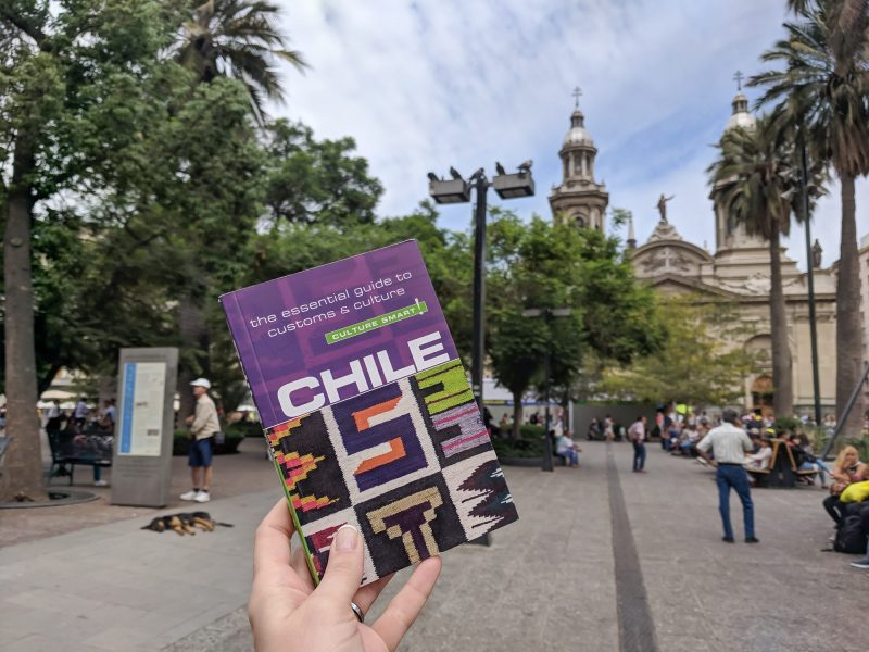 The Best Travel Guidebooks for Culture Smart Travelers | Culture Smart! guidebooks review | Culture Smart! Chile in Santiago #guidebook #traveltips #culturesmart #chile