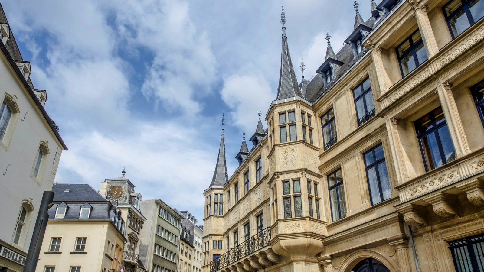 Day Trip to Luxembourg | Should you take one or not? | What to see in Luxembourg | What to do in Luxembourg | Day trip to Luxembourg from Brussels, Belgium | Luxembourg City