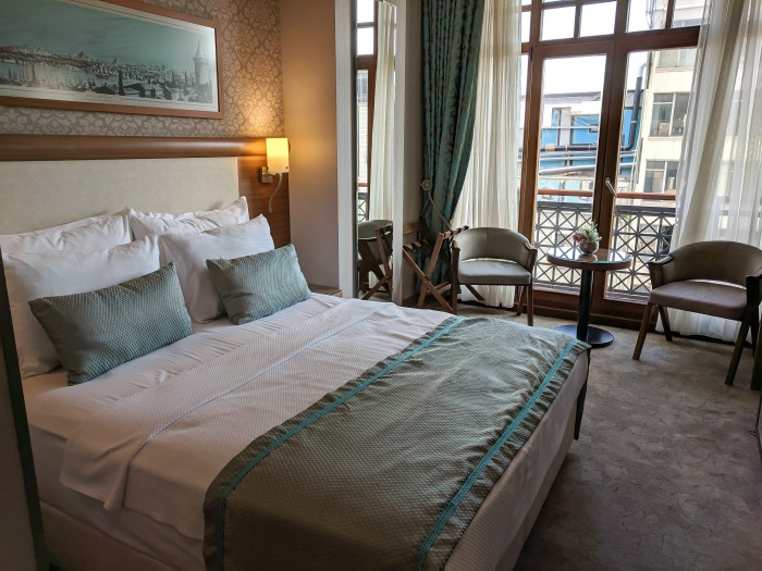 where to stay in istanbul, my room at the hotel momento golden horn