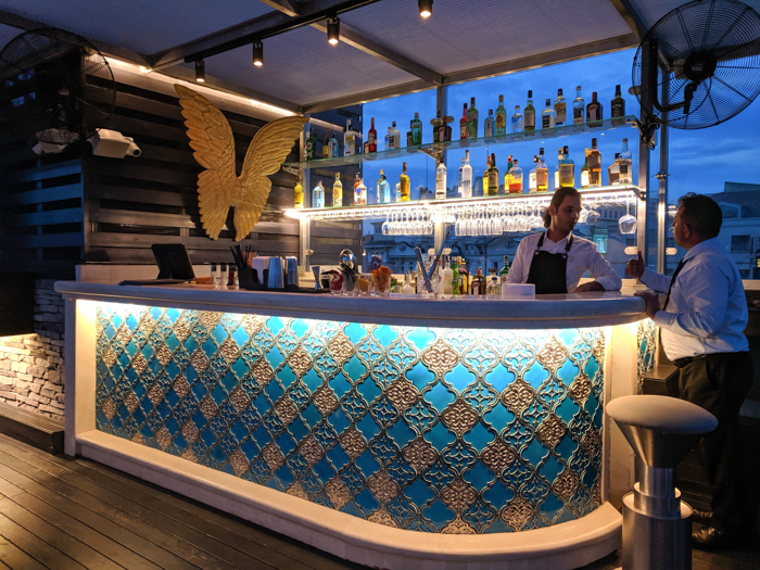 Rooftop bar, Where to Stay in Istanbul, Turkey: Hotel Momento Golden Horn in Beyoglu / Karakoy. #istanbul #turkey #goldenhorn #wheretostay #hotelreview #hotelmomento #traveltips