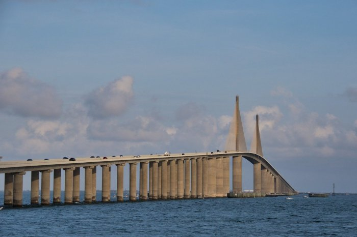 Siesta Key Beach / 3 days in Sarasota, Florida / What to do in Sarasota, Where to eat in Sarasota, itinerary and information guide, Sunshine Skyway Bridge