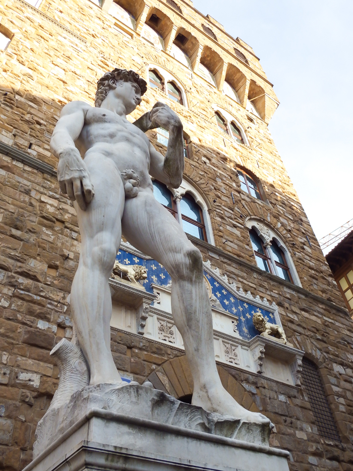 Statue of Michelangelo's David outside Palazzo Vecchio / 2 days in Florence, Italy