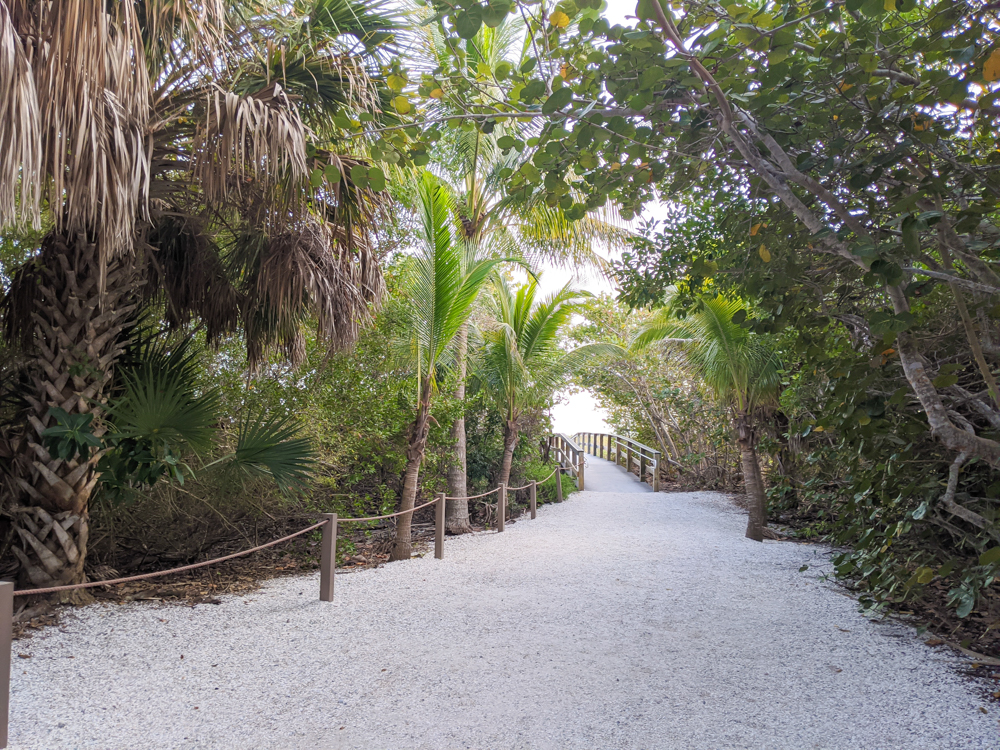 2 days in Fort Myers, Florida, a fun weekend itinerary: Sanibel Island beach