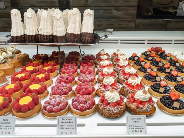 Chamonix in the summer travel guide: where to eat in Chamonix, aux petits gourmands pastries