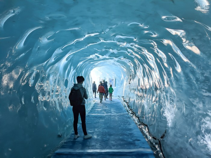 Awesome things to do in Chamonix in the summer: Alpine bucket list / Mer de glace glacier inside