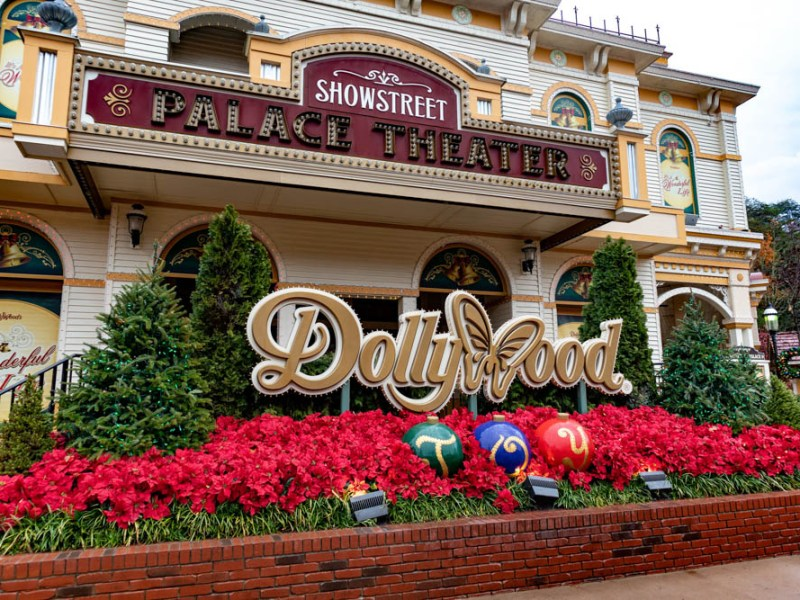 what to do in gatlinburg and pigeon forge tennessee - Dollywood