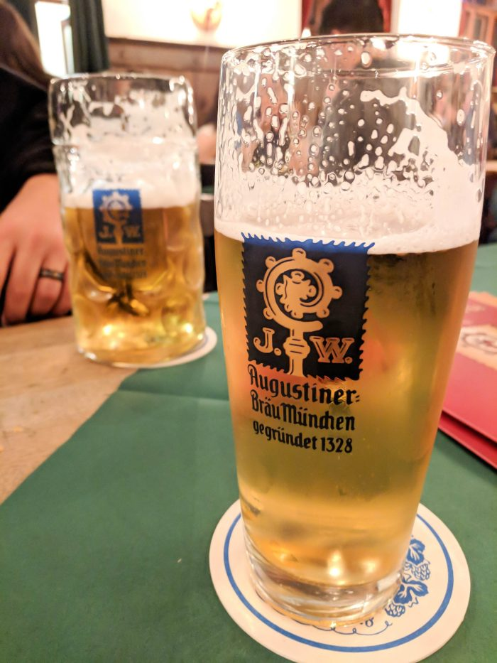 How to throw an Oktoberfest Party at home : What kind of beer | Augustiner