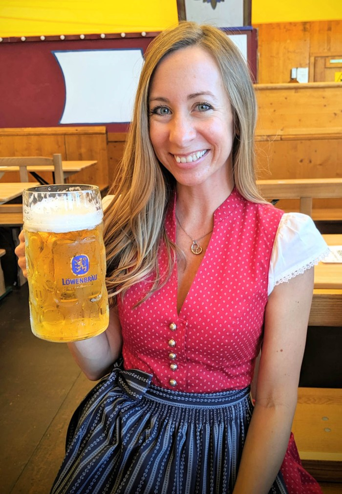 Oktoberfest party beer: What kind of beer to serve at your oktoberfest party | Lowenbrau mass at Oktoberfest in Munich, Germany