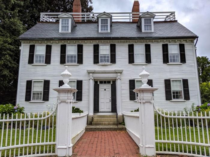 big white mansion seen in the movie hocus pocus