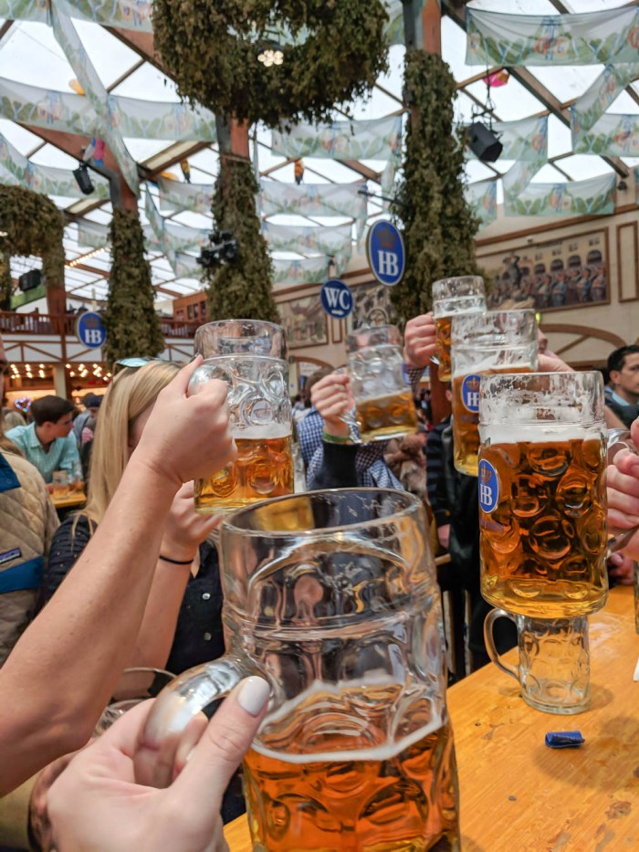 oktoberfest gift ideas, perfect gifts for oktoberfest lovers: hofbräu mass