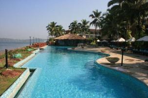 goa-marriott-pool