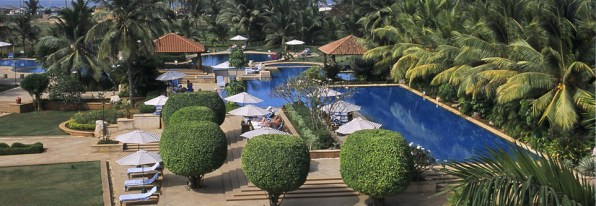 kenilworth goa-hotel-swimming-pool
