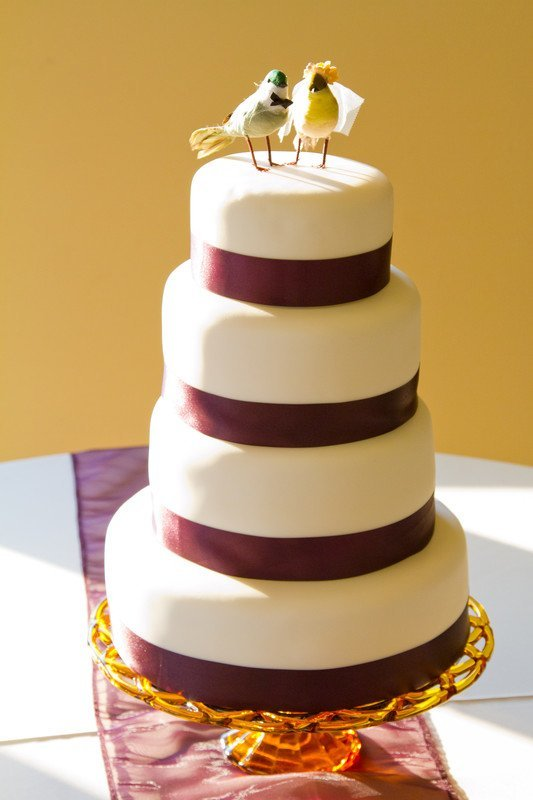 5 Cheap Wedding Cake Ideas On A Budget