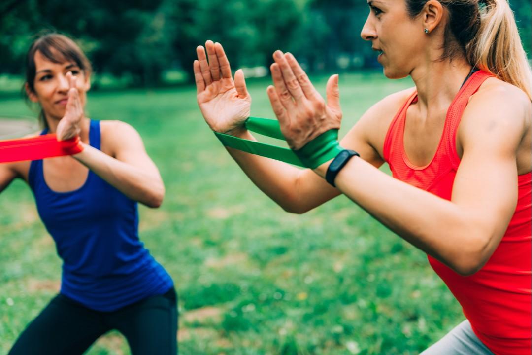 Upper Body Workout for Women: 8 Best Strength Training ...