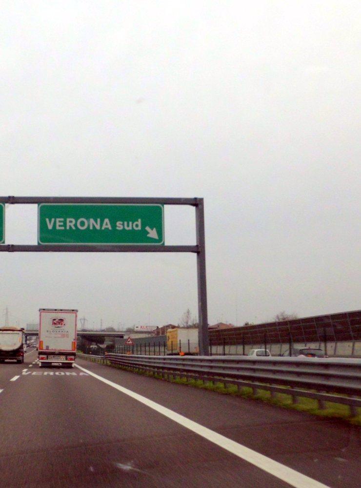 04042013.verona.cartelloautostrada