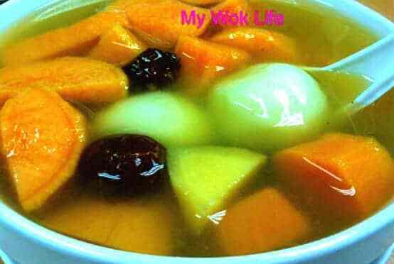 Glutinous Rice Balls (Tang Yuan) and Sweet Potatoes Dessert Soup (冬至送甜蜜)