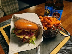 myyrin krouvi burger 2