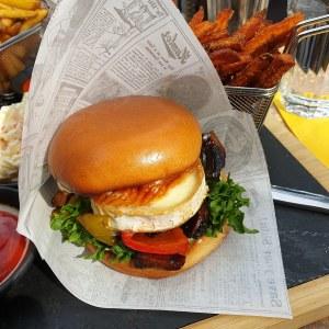 myyrin krouvi vege burger