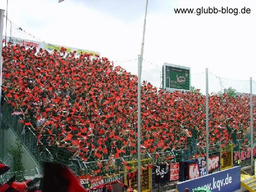 Fähnchen-Aktion der Ultras Nürnberg gegen Fürth