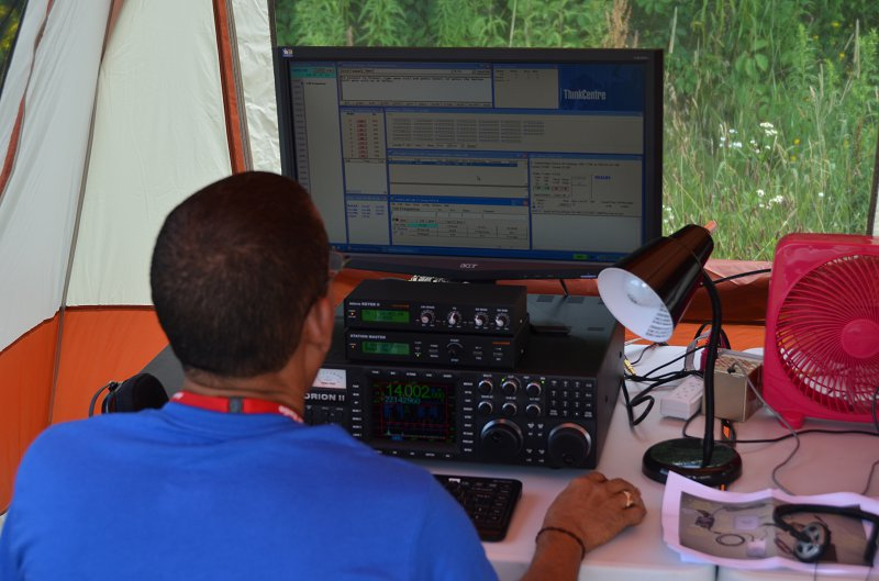 Julio, HI3A Competing in the WRTC Ham Radio Contest