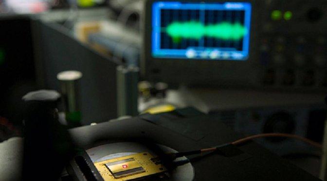 World's Tiniest Radio
