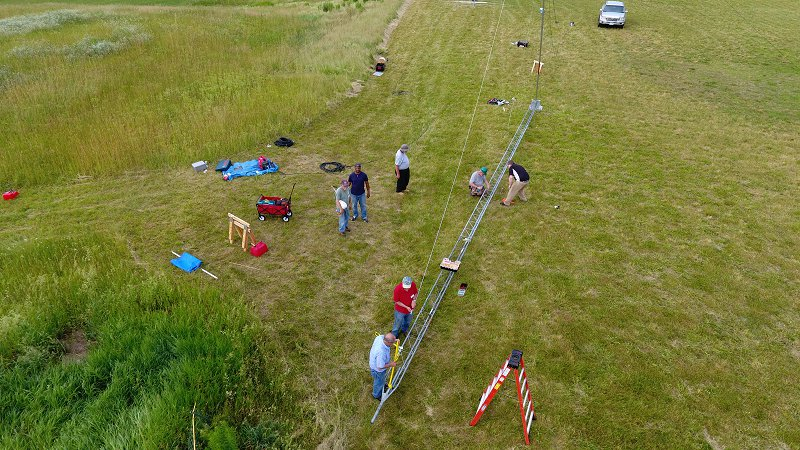 Field Day 2017 Site Setup On The Upper Field - The 60 Ft Tower Coming Together