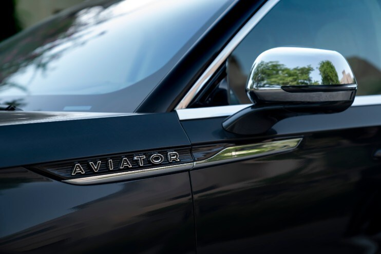 نصائح لينكون لقيادة احترافية: تنظيف Aviator-Close-up-1.j