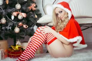 Sexy Weihnachtsgirl (Foto: Kuznechik | Shutterstock)