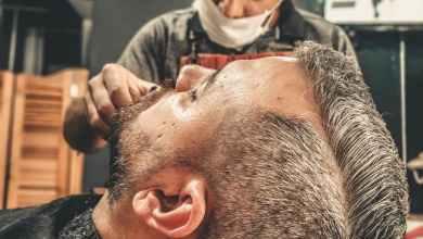 صورة ازدحام غير عادي عند مصففي الشعر قبل الإغلاق غداً
