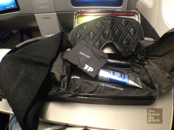 Amenity Kit Business Class Tap Portugal contenuto 2