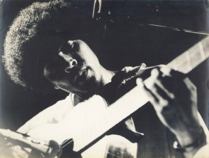 gil-alla-chitarra