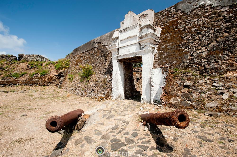 Ilha de Sao Jose vista do Forte Nossa Senhora dos Remedios em Fe