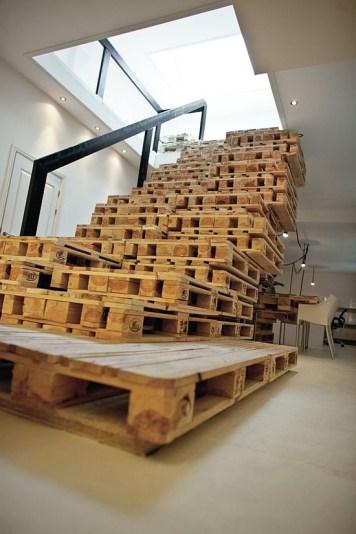 Paletové schodisko