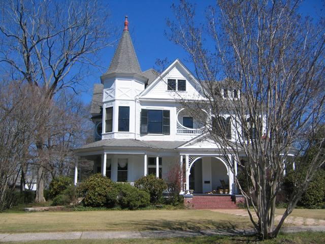 Historic houses pose unique challenges to energy-reducing retrofits