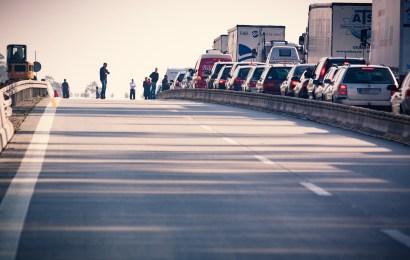 Wörth a.d. Donau: Lkw-Unfall legt die A3 für Stunden lahm