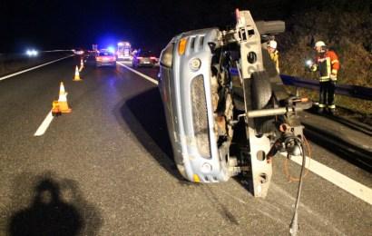 Verkehrsunfall mit Personenschaden wegen überhöhter Geschwindigkeit; Fahrer ohne passende Fahrerlaubnis