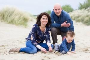 Leonard, Ineke en Niek op het strand