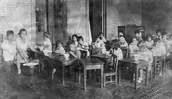 Carmen Lyra fundó esta institución para dar oportunidades educativas a niños de escasos recursos.