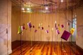 La Magia de Fabular es un móvil aéreo con cuadernos entrelazados que simbolizan la creación de cada escritora. Foto: Cortesía para LN