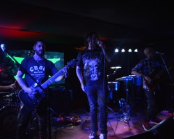 2X y Chocloneta en Mi Bar: doble combo de poder para una fría noche santiaguina