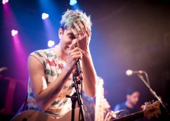 Ezra Furman @ Tractor Tavern by Tori Dickson for Nada Mucho 8