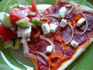 Ajvarpizza med pepparoni